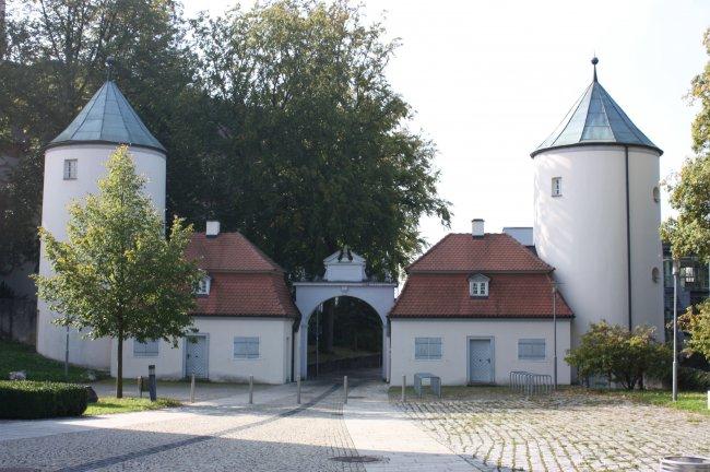 Eingang zum Schloss Grosslaupheim (heutige Ansicht)