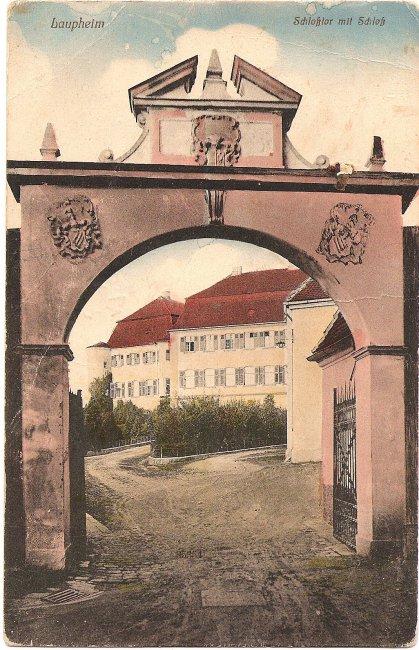 Laupheim Schloßtor mit Schloß (Vorderseite der Ansichtskarte)