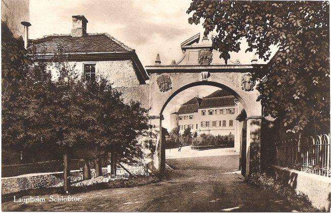 Laupheim Schloßtor (Vorderseite der Ansichtskarte)