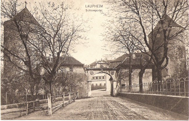 Laupheim Schlossportal (Vorderseite der Ansichtskarte)