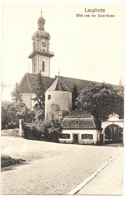 Laupheim Blick nach der Stadt-Kirche (Vorderseite der Ansichtskarte)