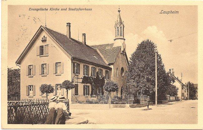 Laupheim  Evangelische Kirche und Stadtpfarrhaus (Vorderseite der Ansichtskarte)