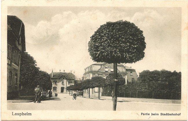 Laupheim,  Partie beim Stadtbahnhof (Vorderseite der Ansichtskarte)