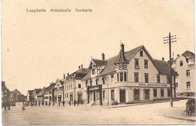 Laupheim, Mittelstraße, Nordseite (Vorderseite der Ansichtskarte)