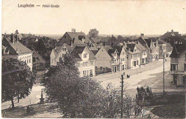 Laupheim - Mittel-Straße (Vorderseite der Ansichtskarte)