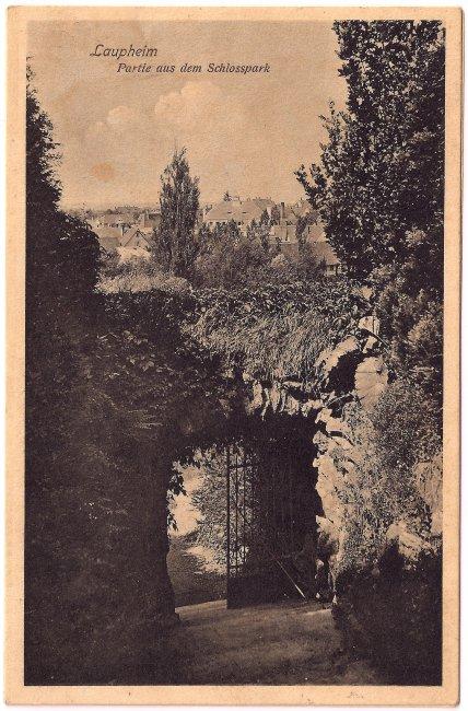 Laupheim - Partie aus den Schlosspark                (Vorderseite der Ansichtskarte)