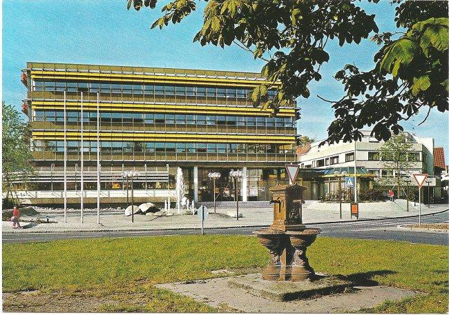 Laupheim, Neues Rathaus (Vorderseite der Ansichtskarte)