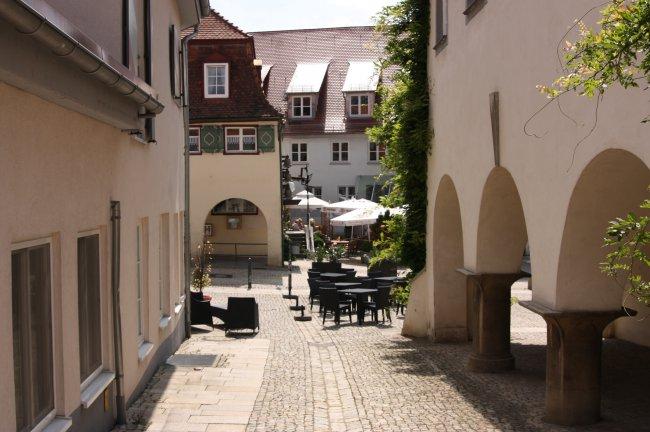 Laupheim, Am  Marktplatz (heutige Ansicht)
