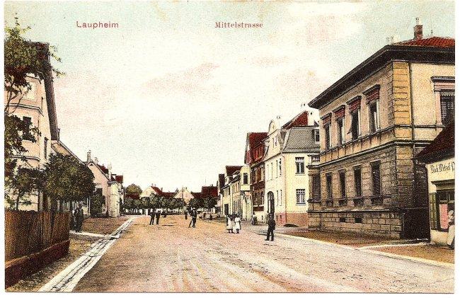 Laupheim, Mittelstraße (Vorderseite der Ansichtskarte)