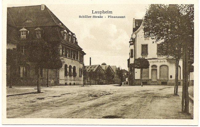 Laupheim, Schiller-Straße - Finanzamt (Vorderseite der Ansichtskarte)