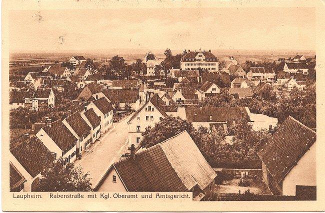 Laupheim, Rabenstraße mit Kgl. Oberamt und  Amtsgericht (Vorderseite der Ansichtskarte)