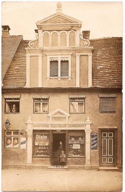 Kolonialwarengeschäft von Anna Gerstenlauer (Vorderseite der Ansichtskarte)