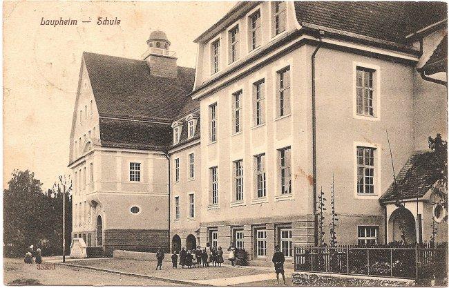 Laupheim - Schule (Vorderseite der Ansichtskarte)