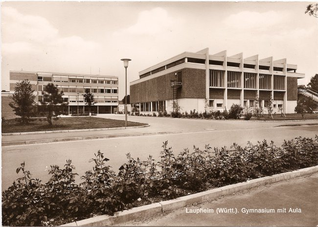 Laupheim (Württ.), Gymnasium mit Aula (Vorderseite der Ansichtskarte)