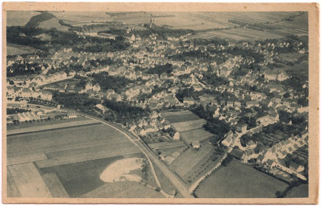 Flugzeugaufnahme von Laupheim (Vorderseite der Ansichtskarte)