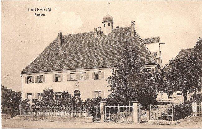 Laupheim, Rathaus (Vorderseite der Ansichtskarte)