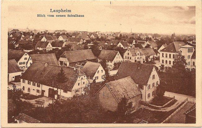 Laupheim, Blick vom neuen Schulhaus (Vorderseite der Ansichtskarte)