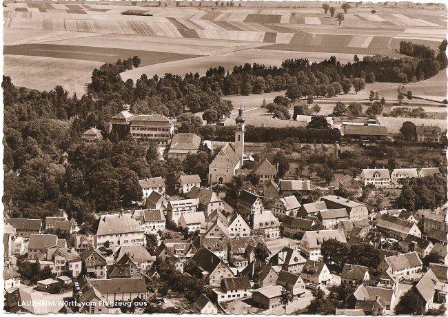 Laupheim/Württ., vom Flugzeug aus (Vorderseite der Ansichtskarte)