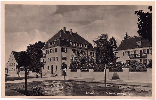 Laupheim - 7 Schwaben-Apotheke (Vorderseite der Ansichtskarte)