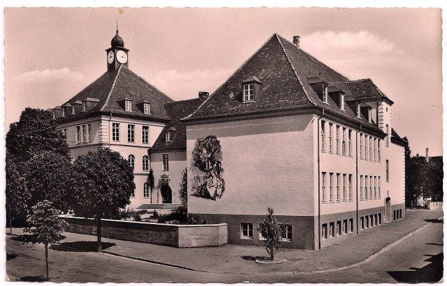 Anna-von-Freyberg-Schule (Vorderseite der Ansichtskarte)