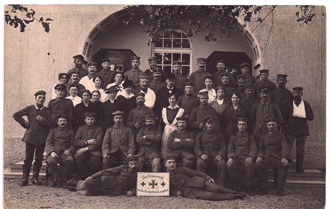 Zur Erinnerung an das Kriegerheim Laupheim 1915 (Vorderseite der Ansichtskarte)