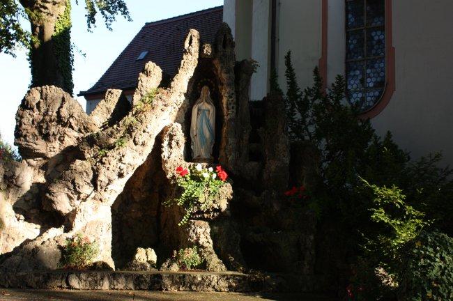 Lourdesgrotte St. Peter und Paul (heutige Ansicht)
