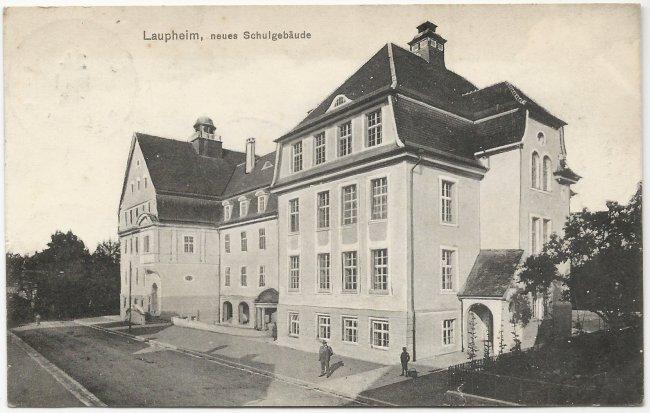 Laupheim, neues Schulgebäude (Vorderseite der Ansichtskarte)