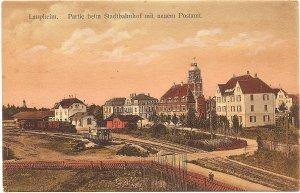 Laupheim. Partie beim Stadtbahnhof mit neuem Postamt
